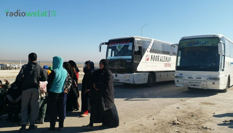 عودة 1100 نازح من مخيم السد إلى دير الزور