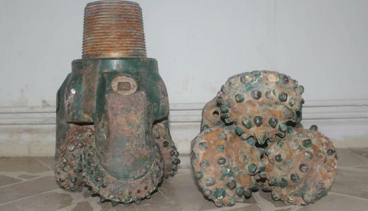 الآساييش تقبض على أشخاص يبيعون قطع حفارات عائدة لشركة نفط رميلان